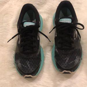 Brooks Launch 3 Running Tennis Shoes